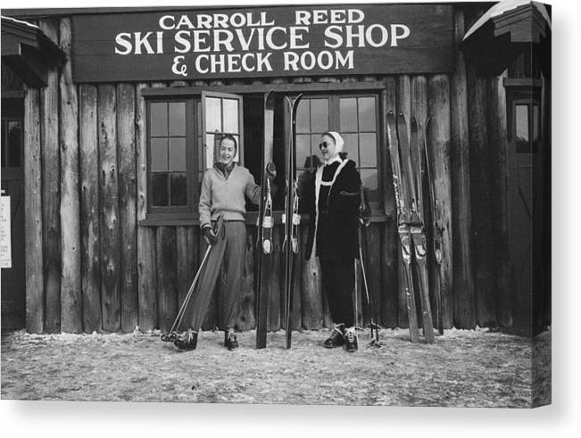 Skiing Canvas Print featuring the photograph New England Skiing by Slim Aarons