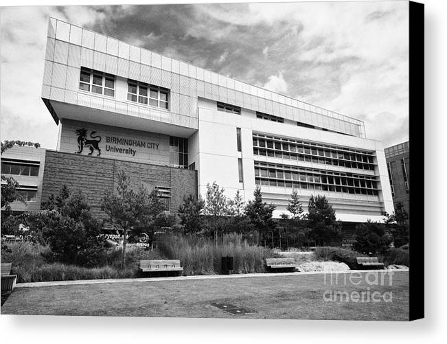 Birmingham Canvas Print featuring the photograph Birmingham City University Eastside Campus Uk by Joe Fox