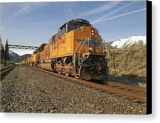 Union Pacific Canvas Print featuring the photograph 8940 Eastbound by Donna Kennedy