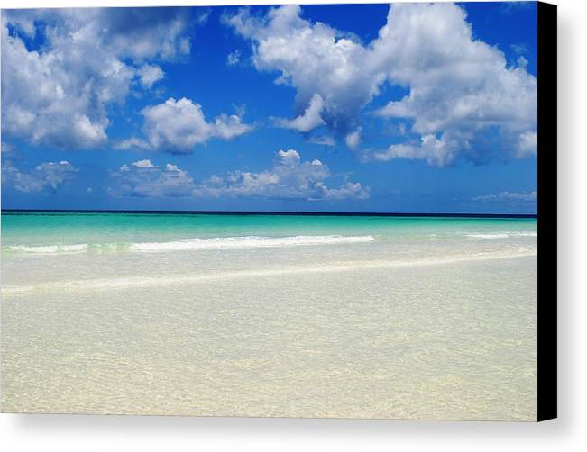 Canvas Print featuring the photograph Bahama's Heaven by Karla Kernz