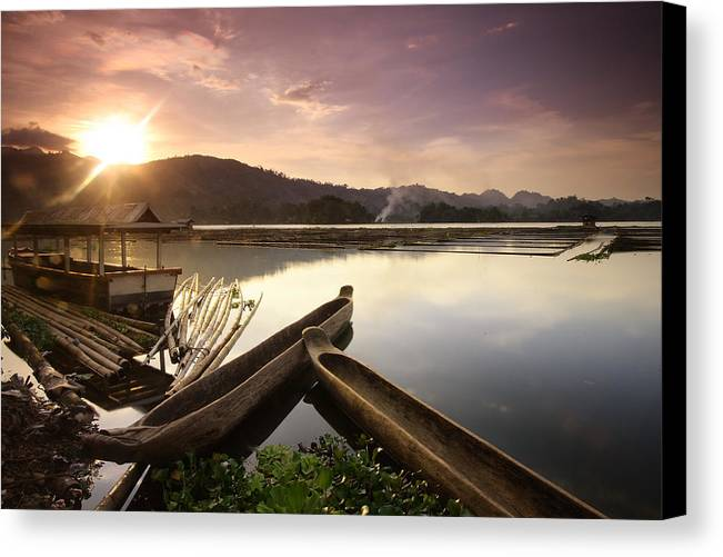 Landscape Canvas Print featuring the photograph Ethereal Glow by Leonard Pe