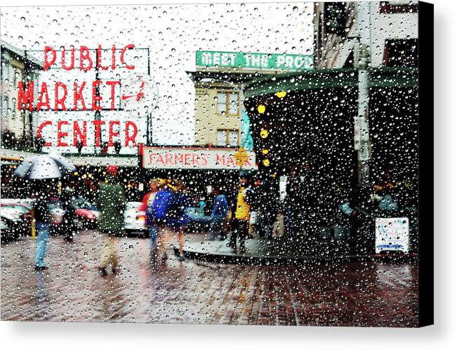 Seattle Canvas Print featuring the photograph Market In Rain J005 by Yoshiki Nakamura