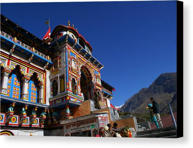 Landscape Canvas Print featuring the photograph Prayers At Badrinath Temple by Padamvir Singh