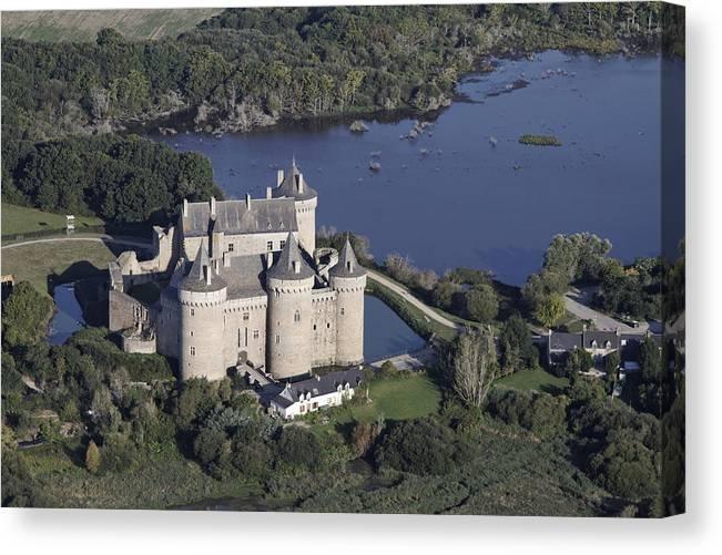 Bretagne Canvas Print featuring the photograph Suscinio Castle, Sarzeau by Laurent Salomon