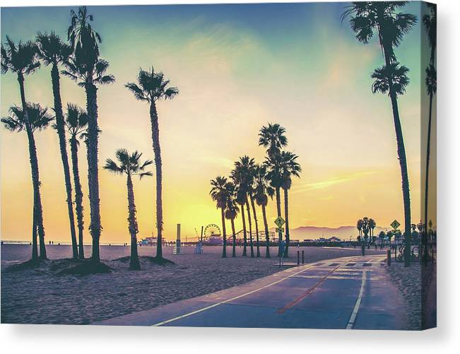 Los Angeles Canvas Print featuring the photograph Cali Sunset by Az Jackson