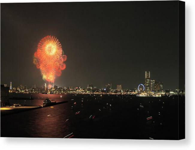 Japan Canvas Print featuring the photograph Night In Yokohama T6j013 by Yoshiki Nakamura