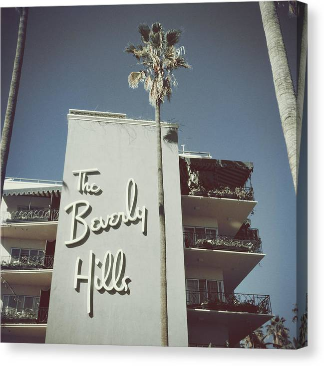 1950-1959 Canvas Print featuring the photograph Beverly Hills Hotel by Slim Aarons
