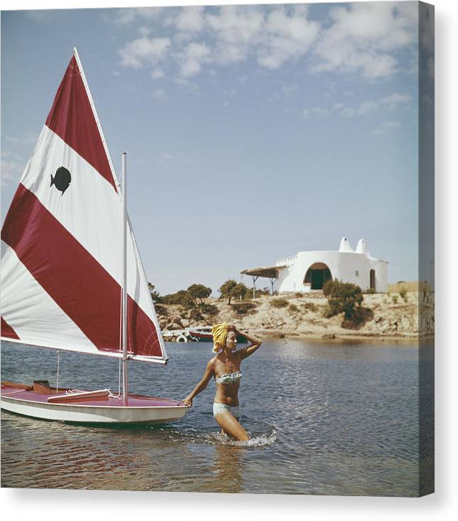 Costa Smeralda Canvas Print featuring the photograph Bettina Graziani by Slim Aarons