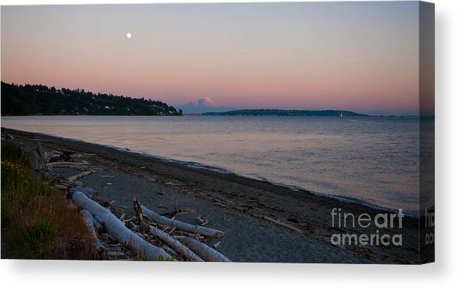 Rainier Canvas Print featuring the photograph Northwest Evening by Mike Reid