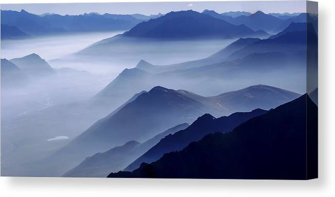 Morning Mist Canvas Print featuring the photograph Morning Mist by Chad Dutson