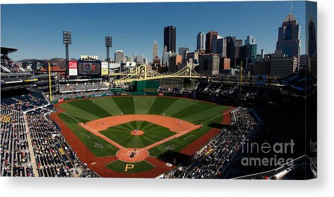 Panoramic Canvas Print featuring the photograph Houston Astros V Pittsburgh Pirates by Joe Robbins