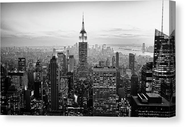 Outdoors Canvas Print featuring the photograph New York City by Randy Le'moine