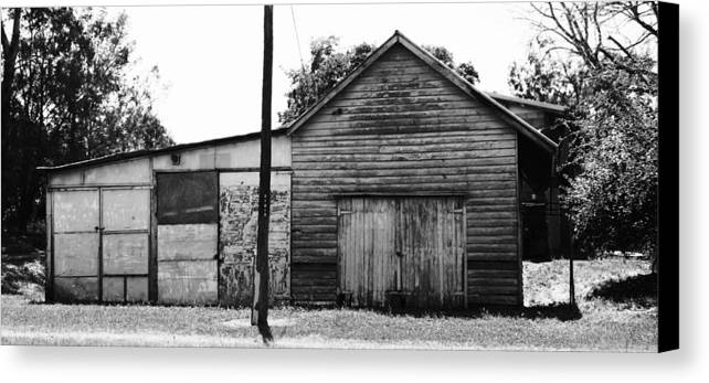 Shed Canvas Print featuring the photograph Willowbank Shed by Pierre Roux