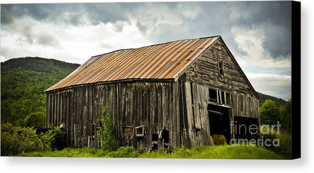 Old Canvas Print featuring the photograph Old Maine Barn by Alana Ranney