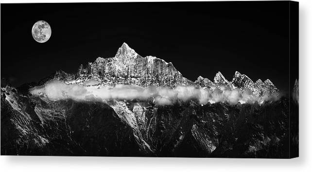 Panorama Canvas Print featuring the photograph The Jade Belt by Selinos