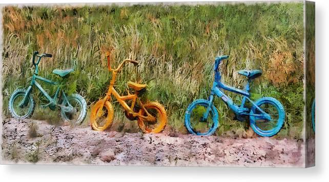 Recycled Canvas Print featuring the photograph Tri Bike by Leslie Montgomery
