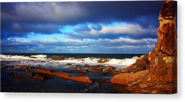 Seascape Canvas Print featuring the photograph Green Point Seascape by Robert Lange