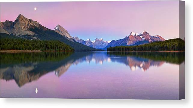 Landscape Canvas Print featuring the photograph Maligne Lake by Yan Zhang