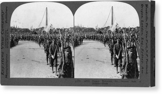 1914 Canvas Print featuring the painting World War I British Army by Granger