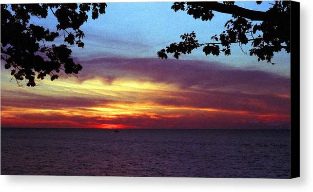 Sunset Canvas Print featuring the photograph 070506-68 by Mike Davis