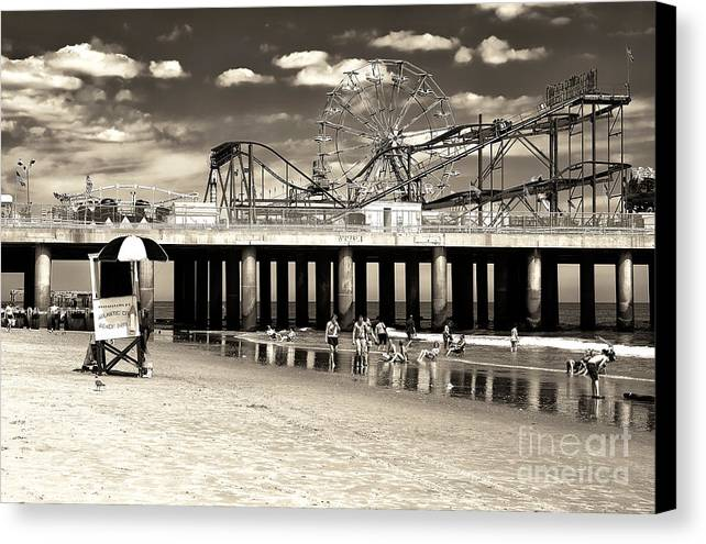 Vintage Steel Pier Canvas Print featuring the photograph Vintage Steel Pier by John Rizzuto