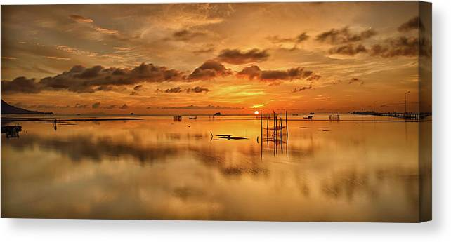 Scenics Canvas Print featuring the photograph Sunrise, Phu Quoc, Vietnam by Huyenhoang