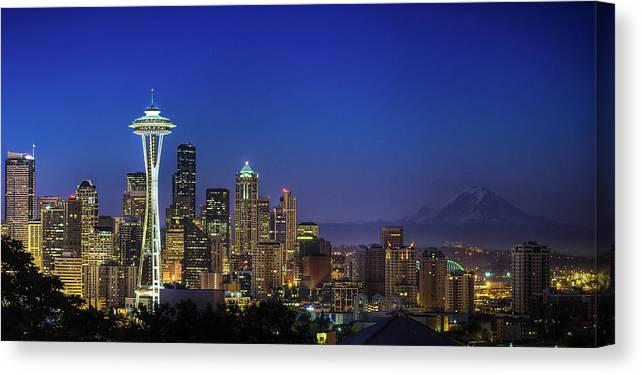 Dawn Canvas Print featuring the photograph Seattle Skyline by Sebastian Schlueter (sibbiblue)