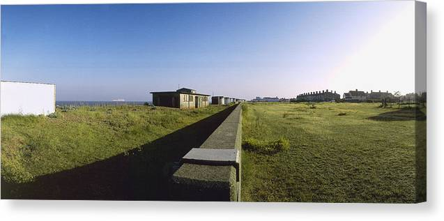 Seawall Canvas Print featuring the photograph Felixstowe Seawall by Jan W Faul