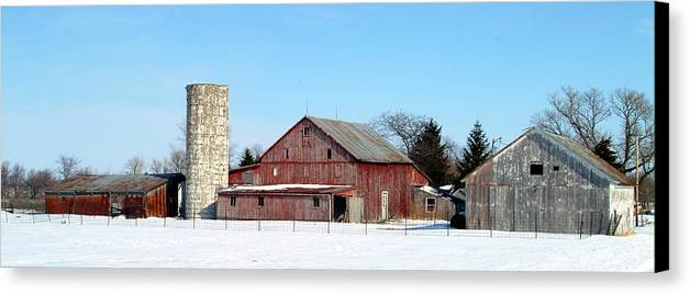 Farm Canvas Print featuring the photograph 020309-70 by Mike Davis