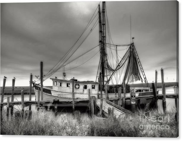 Shrimp Boat Canvas Print featuring the photograph Lowcountry Shrimp Boat by Scott Hansen