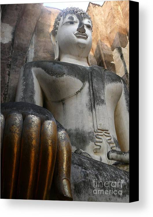 Wat Canvas Print featuring the photograph Wat Si Chum by Eclectic Captures