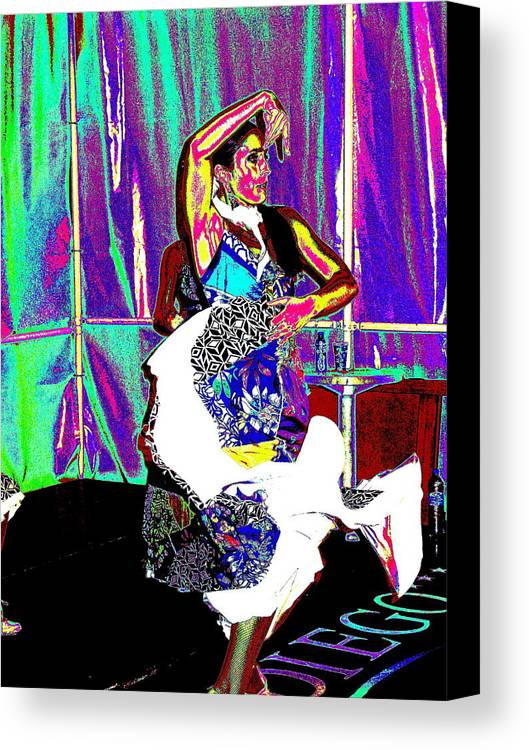 Danse Canvas Print featuring the photograph Danseuse by Pascalle Raymond