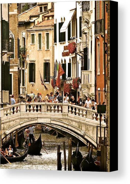 Venice Canvas Print featuring the photograph Vegas Or Venice by Ira Shander