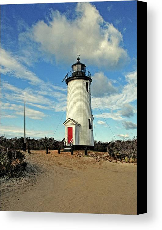 Cape Pogue Lighthouse.lighthouse Canvas Print featuring the photograph Cape Pogue Lighthouse Marthas Vineyard by Dave Mills