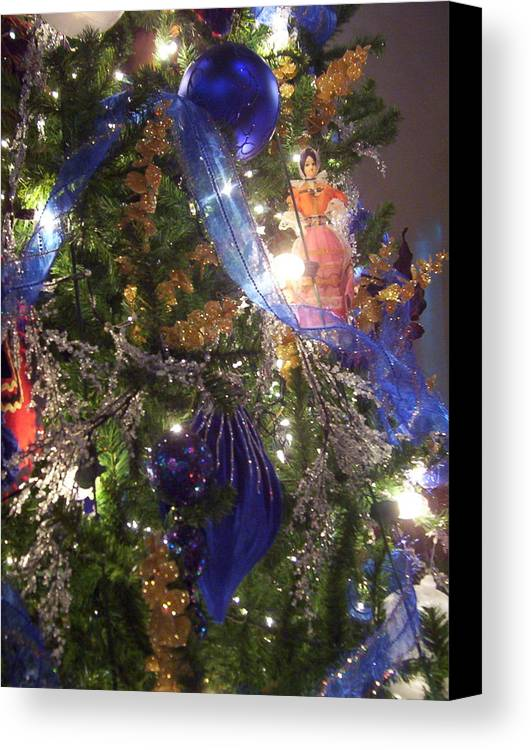 Christmas Canvas Print featuring the photograph Christmas Dreams by Elizabeth MacKinney