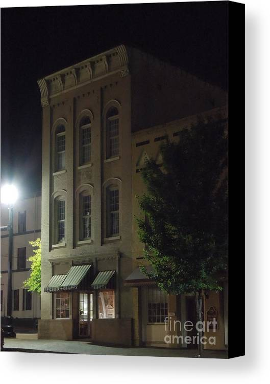 Old Canvas Print featuring the photograph Old Building In Calhoun Ga by Renee Trenholm