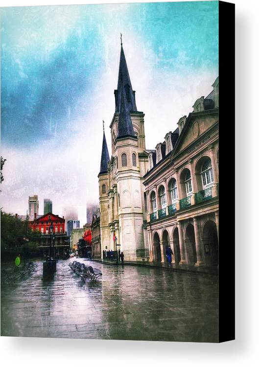 Canvas Print featuring the photograph Cathederal From Side by Mark Pritchard