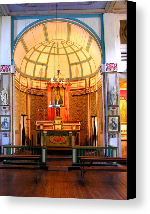 Architecture Canvas Print featuring the photograph Main Altar Sacre Couer by C Thomas Cooney