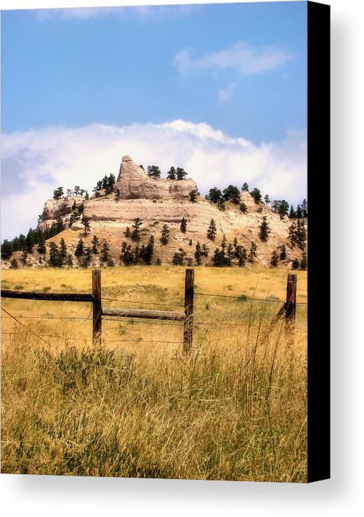 Plains Canvas Print featuring the photograph Nebraska Buttes by Tingy Wende