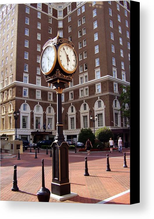 Poinsett Hotel Canvas Print featuring the photograph Poinsett Hotel Greeenville Sc by Flavia Westerwelle