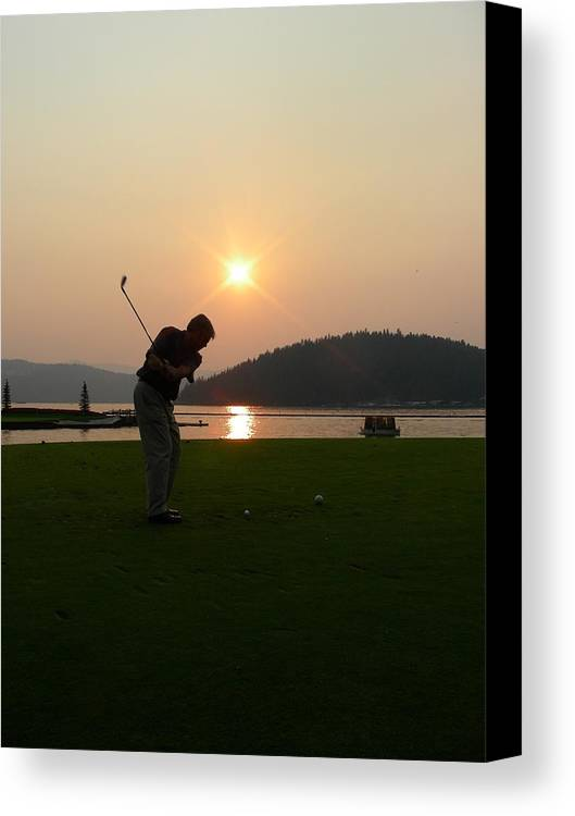 Golf Canvas Print featuring the photograph The Floating Green by Peter McIntosh