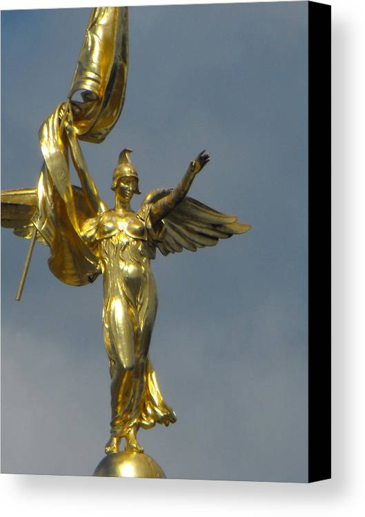District Of Columbia Canvas Print featuring the photograph Wwi Gold Winged Victory Statue by Ginger Repke