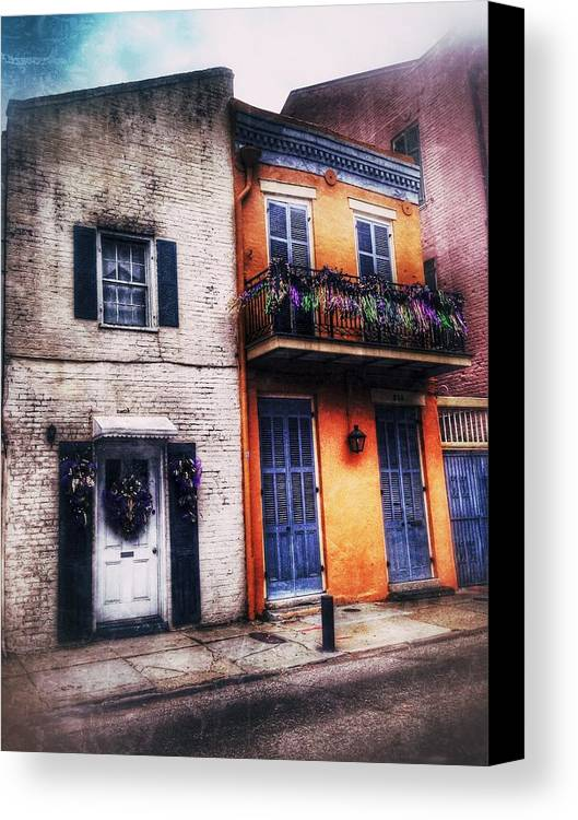 Canvas Print featuring the photograph Yellow And White Side By Side by Mark Pritchard