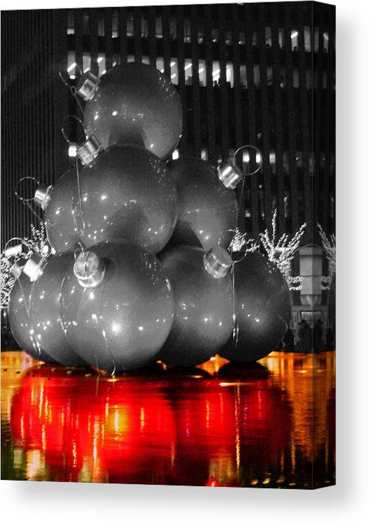 Christmas Canvas Print featuring the photograph Holiday Reflection by Pablo Rosales