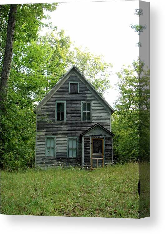 House Canvas Print featuring the photograph Vacancy by Bonfire Photography