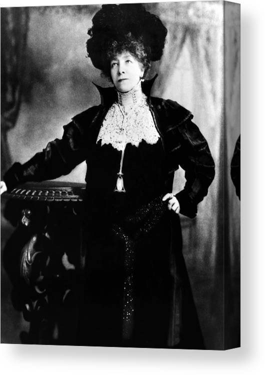 1900s Portraits Canvas Print featuring the photograph Sarah Bernhardt As She Appeared by Everett