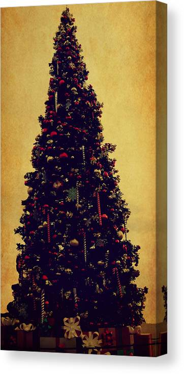 Classic Christmas Canvas Print featuring the digital art Classic Christmas by J Burns