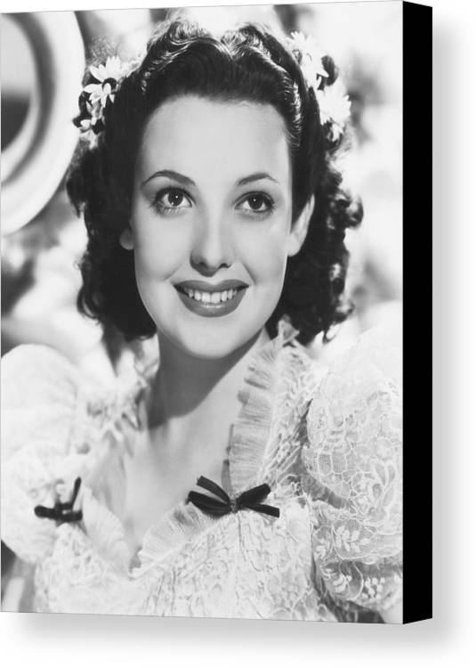 1930s Portraits Canvas Print featuring the photograph Linda Darnell, 1939 by Everett