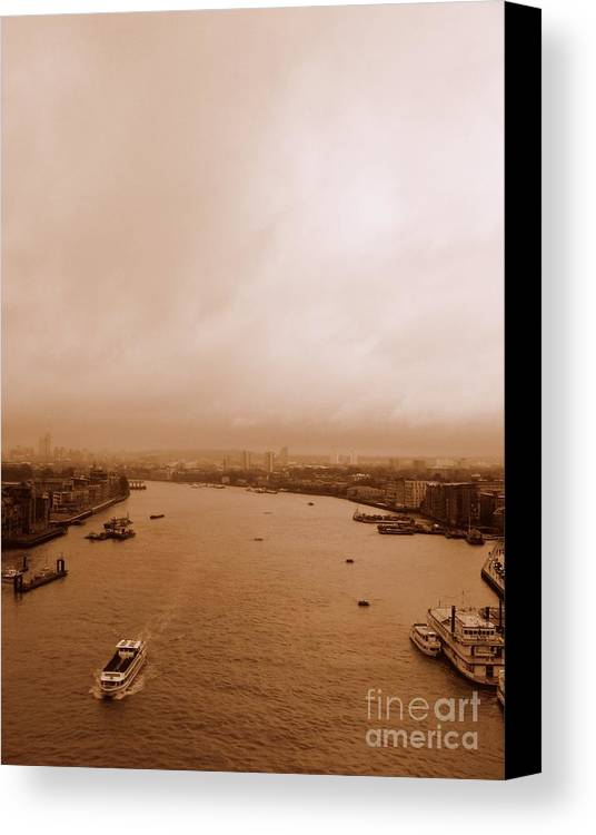Thames Canvas Print featuring the photograph Thames by Anita Kovacevic