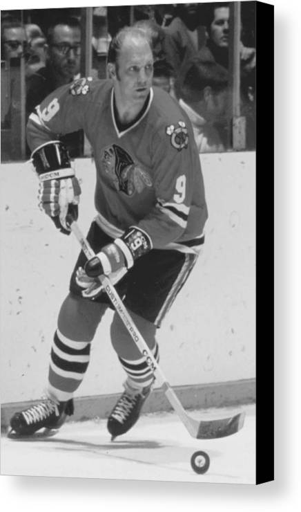 Bobby Canvas Print featuring the photograph Bobby Hull Poster by Gianfranco Weiss